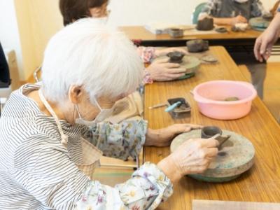 """""""ハマる方""""も多い陶芸です"""